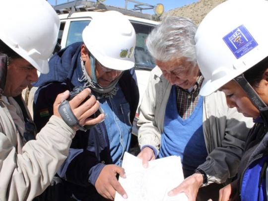 Geólogos con Salomón Rivas